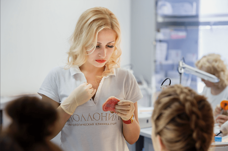 Эстетическая реабилитация передних зубов винирами в прямой технике
