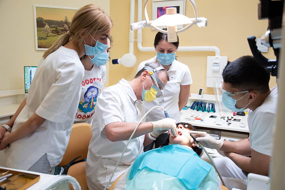 Мастер-курс «Художественная реставрация зубов»